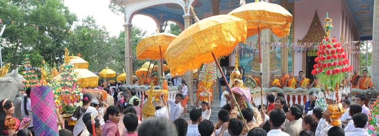 2014年 カンボジア祝日・仏教の日
