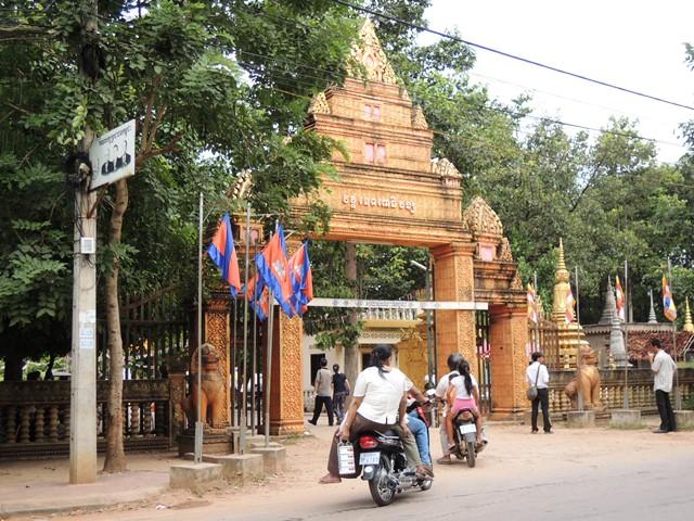 カンボジアお盆(プチュンバン)へ