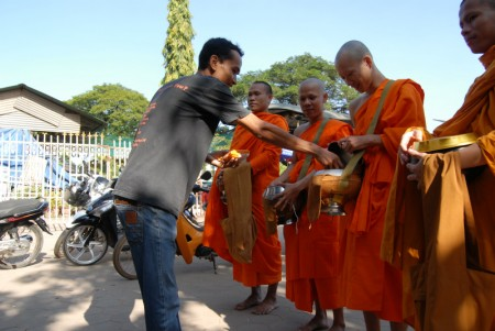 Monk Taken Phirun (385)