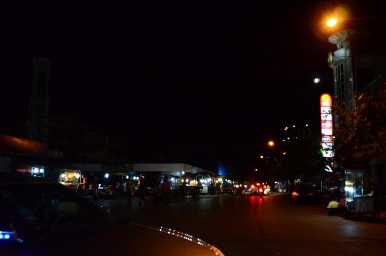 夜の町並み (26)