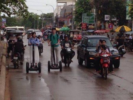 カンボジアでセグウェイ体験