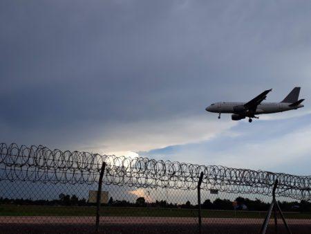 【航空券お問合せフォーム】カンボジア発日本行き航空チケット手配